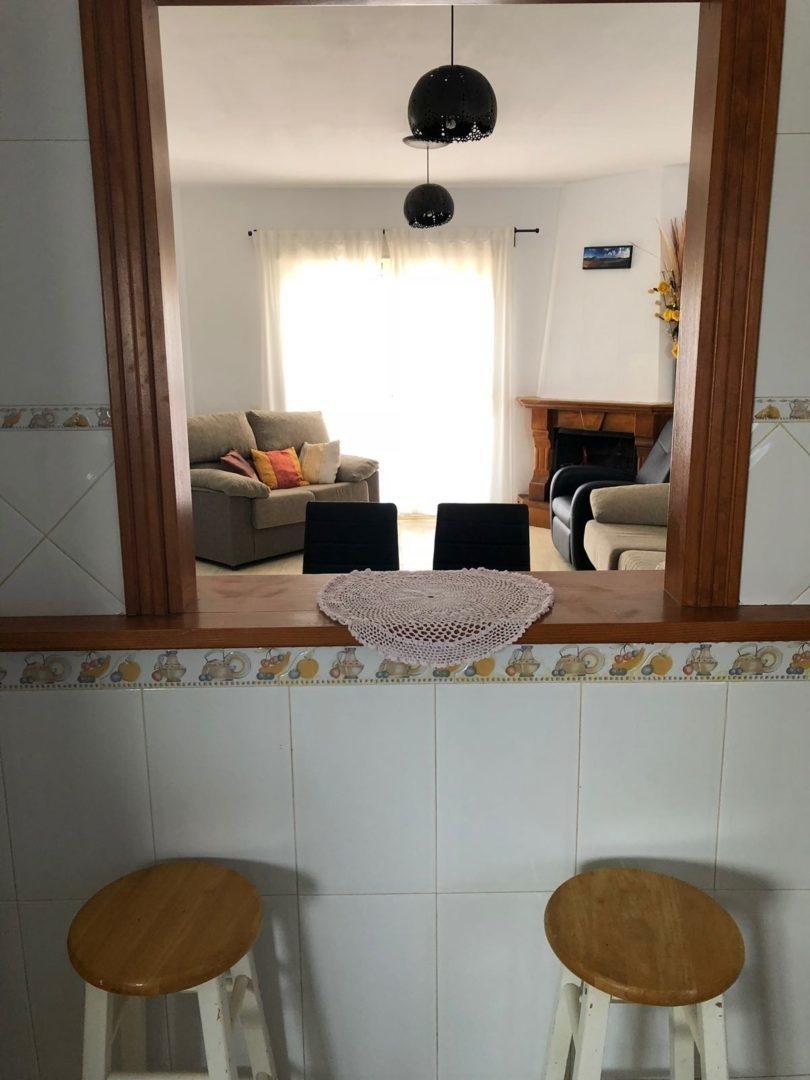 Salón desde la cocina