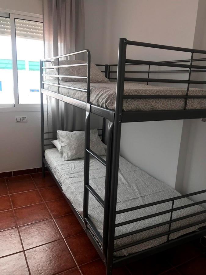 Dormitorio con litera de 2 camas